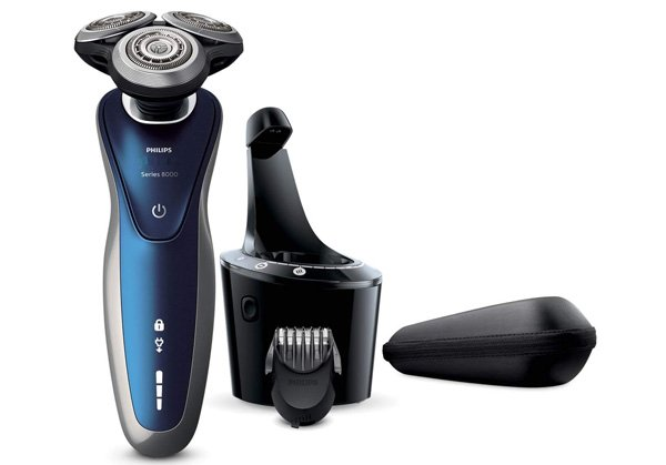 Philips Norelco Electric Shaver 8900 with Smart Clean